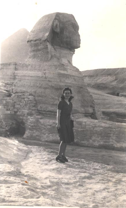 savta near sphinx